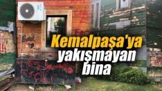Kemalpaşa'daki o bina çürümek üzere
