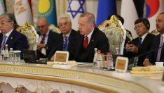 Erdoğan:Kudüs'te yeni oldu bittiler oluşturma gayretlerini reddediyoruz
