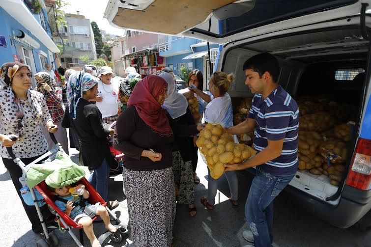 11 bin aileye patates yardımı