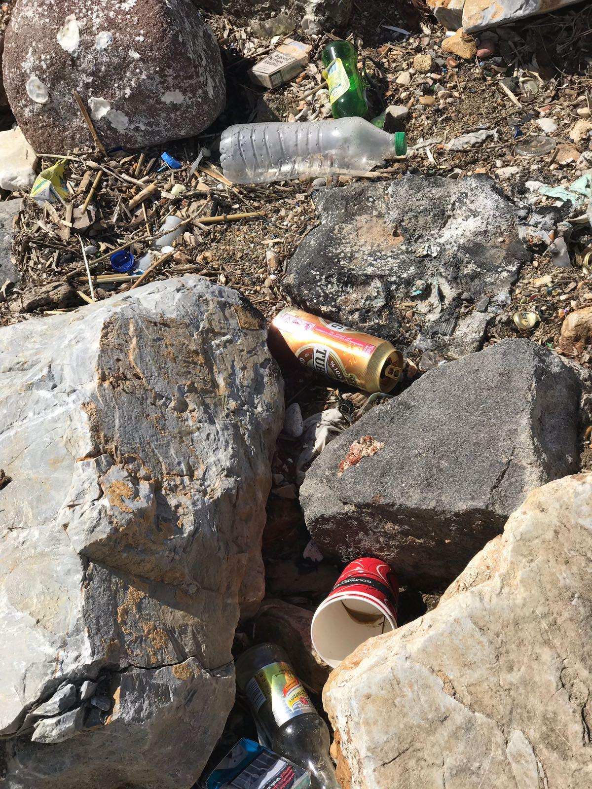 Urla'dan çöp manzaraları...