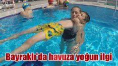 Bayraklı'da havuza yoğun ilgi